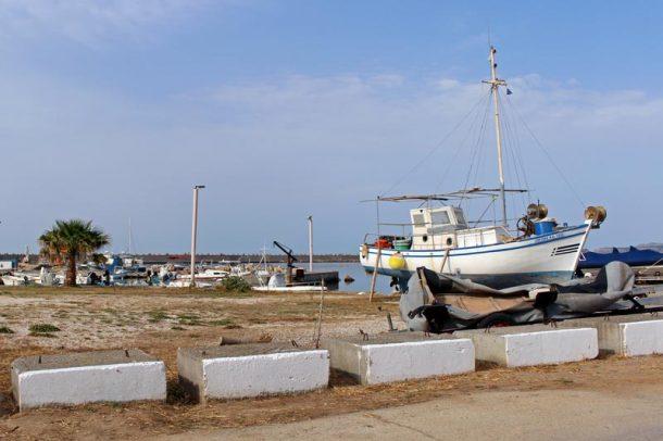 Boot im Hafen von Malia