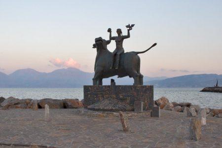 Die Europa Statue in Agios Nikolaos