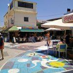 Platia Matala mit Straßenmalerei